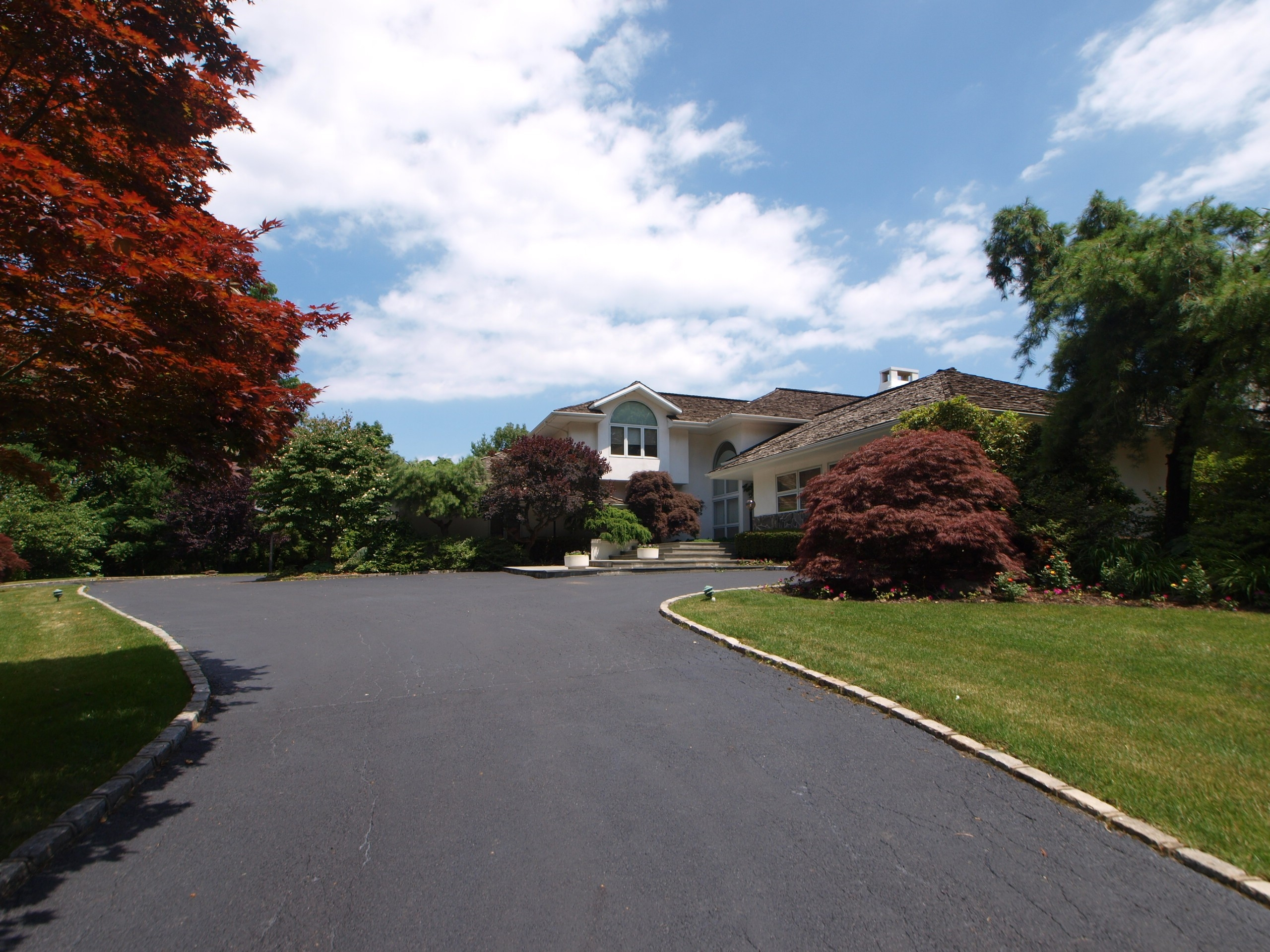 Villa per Vendita alle ore Colonial 7 Plover Ln Lloyd Harbor, New York 11743 Stati Uniti