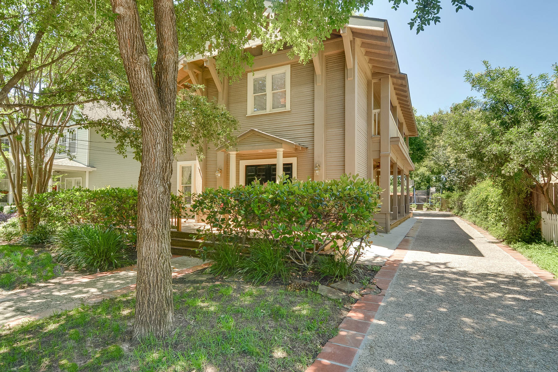 sales property at Charming Home in the Heart of Alamo Heights