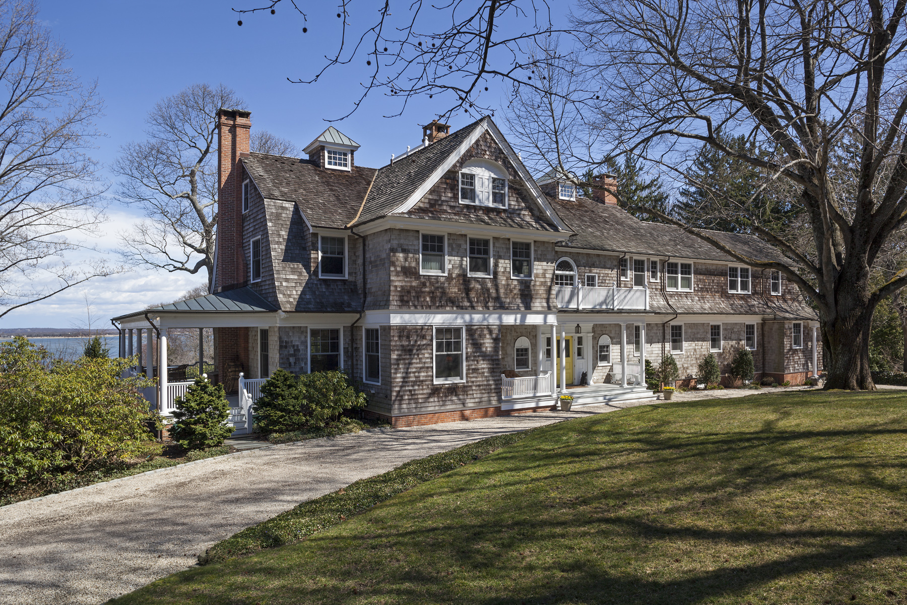 Частный односемейный дом для того Продажа на Colonial 27 Woodcrest Dr Nissequogue, Нью-Йорк, 11780 Соединенные Штаты
