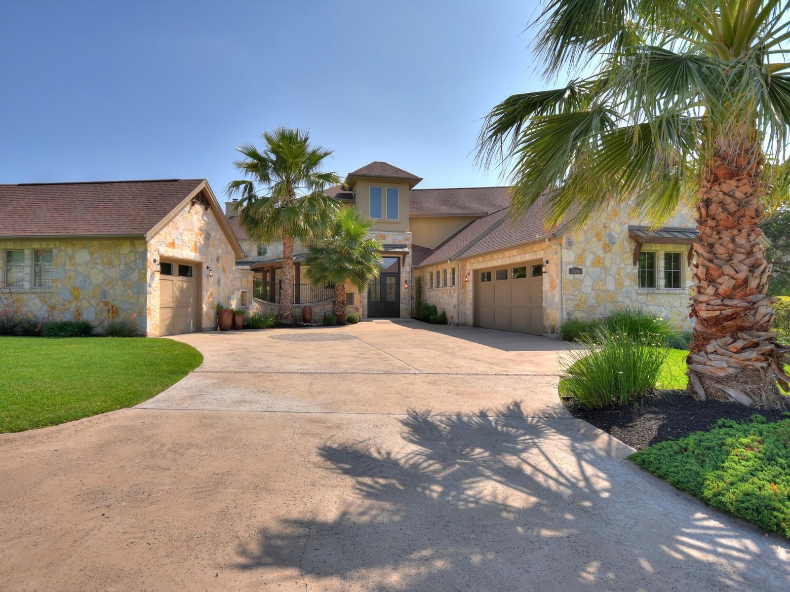Nhà ở một gia đình vì Bán tại Desirable Green Shores on Lake Austin 7200 Turnbuoy Austin, Texas, 78730 Hoa Kỳ