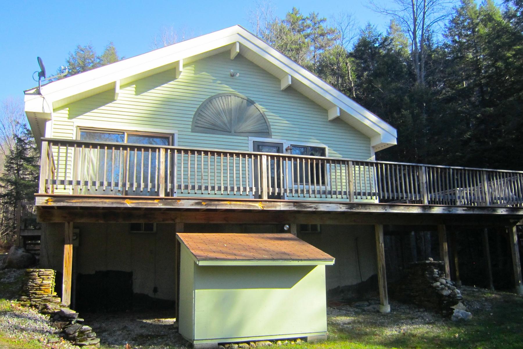 Moradia para Venda às Mount Holly River Front 472 Freeman Brook Rd Mount Holly, Vermont 05758 Estados Unidos