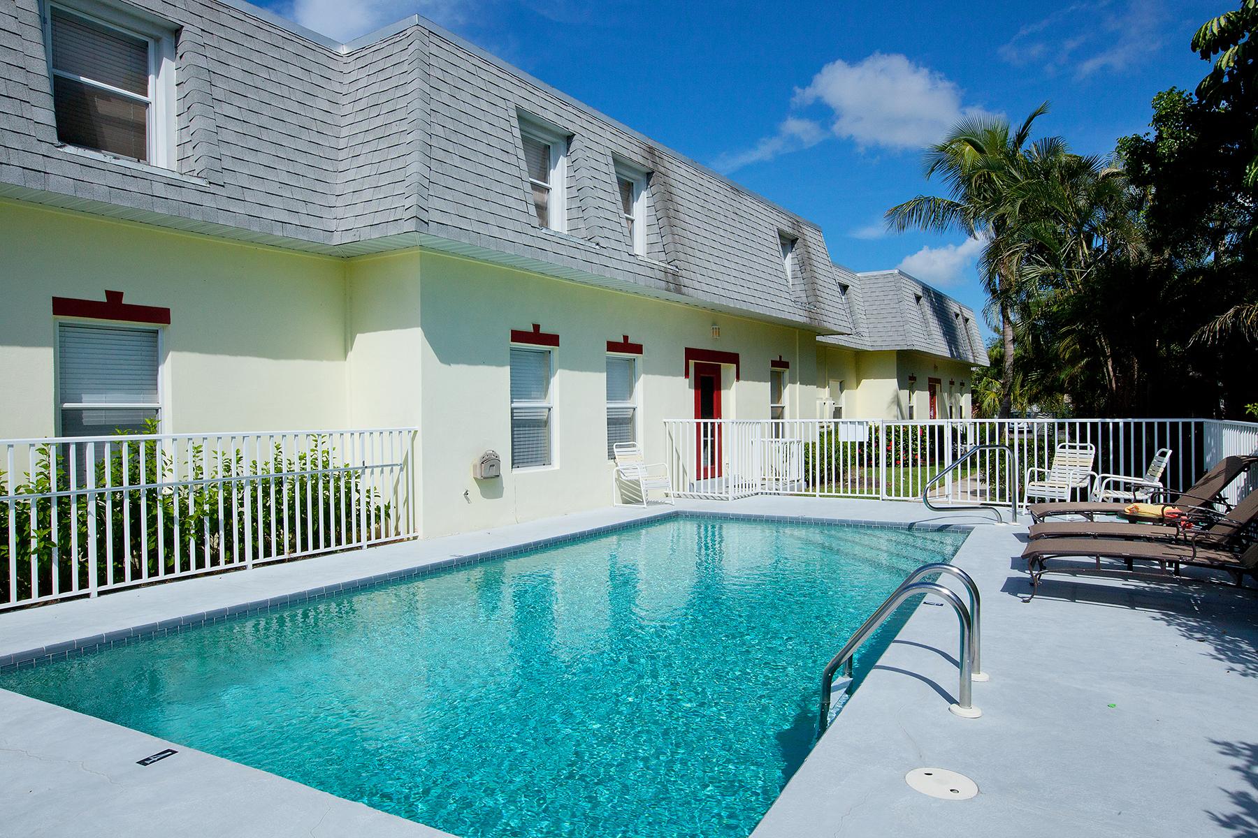 Kat Mülkiyeti için Satış at MARCO ISLAND - WEXFORD PLACE 465 Bald Eagle Dr 9 Marco Island, Florida 34145 Amerika Birleşik Devletleri