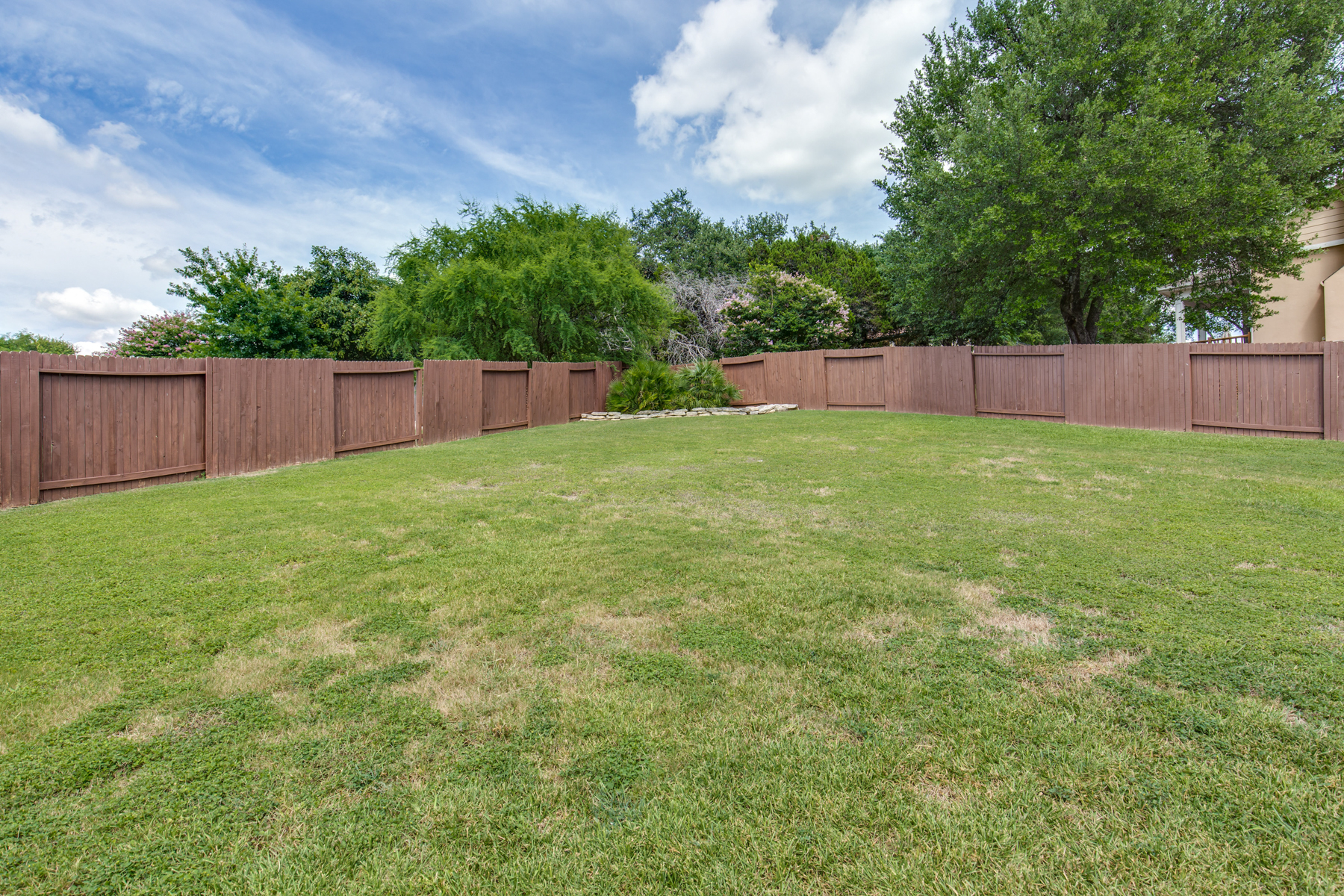 Additional photo for property listing at Spacious Home in Enclave at Camino Ranch 807 Willow Knoll Cv San Antonio, Texas 78216 Estados Unidos