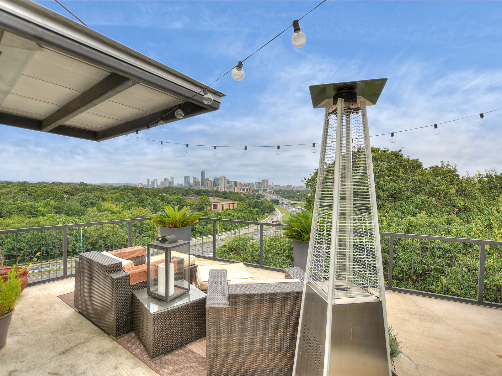 Condominio por un Alquiler en Stunning Views of Downtown Austin 1500 Summit St 4 Austin, Texas 78741 Estados Unidos
