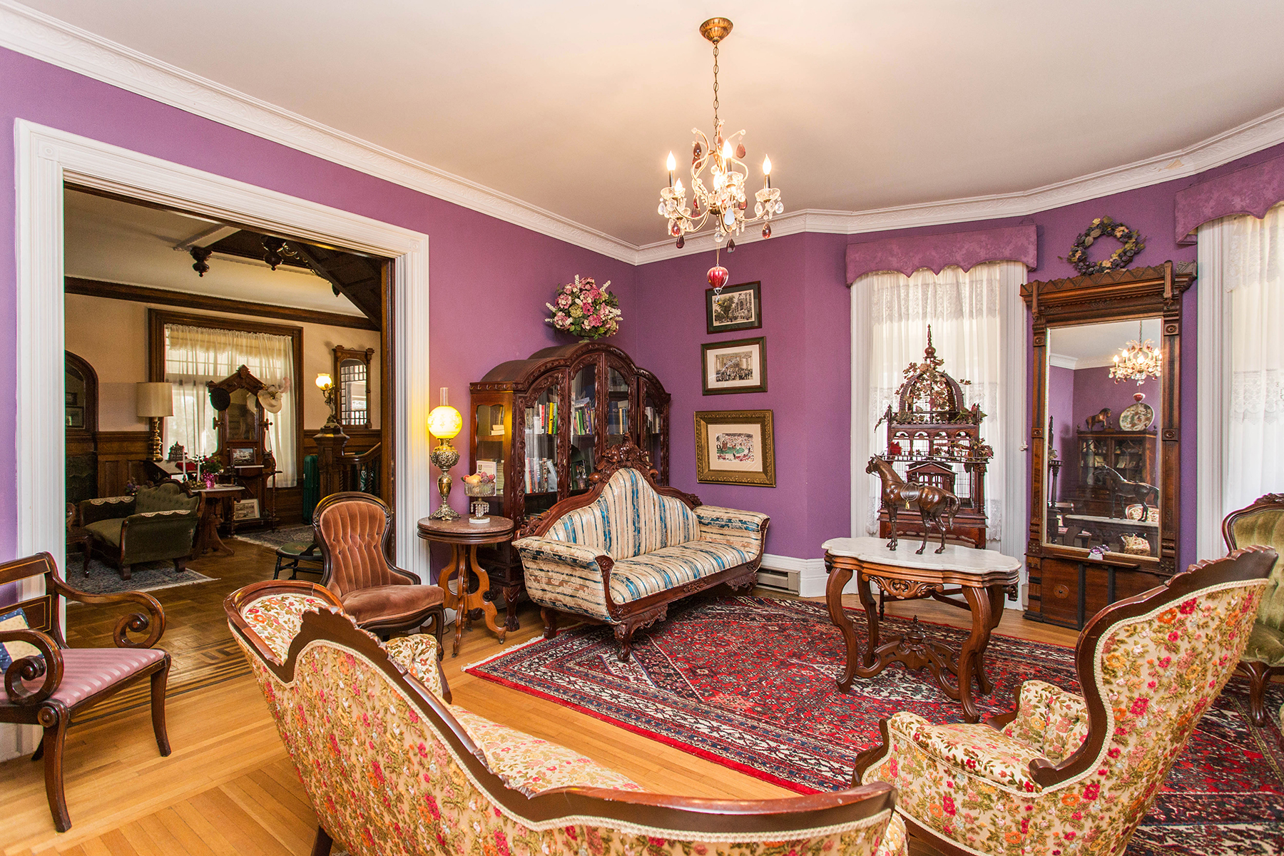 Additional photo for property listing at Exquisite Saratoga Trackside Victorian 203  Union Av 萨拉托贾斯普林斯, 纽约州 12866 美国