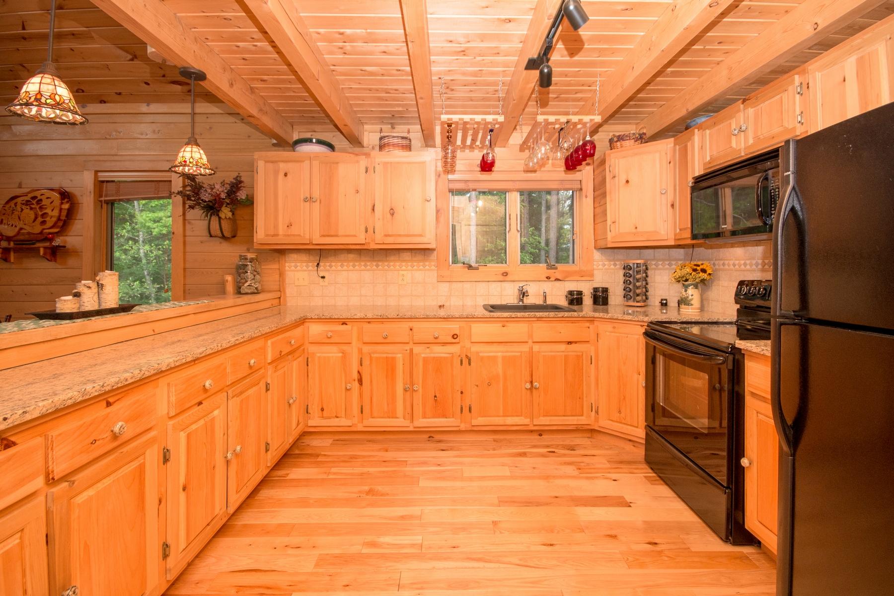 Additional photo for property listing at Mountain View Ski Property 11  Hochsteig Lane Jay, Нью-Йорк 12941 Соединенные Штаты