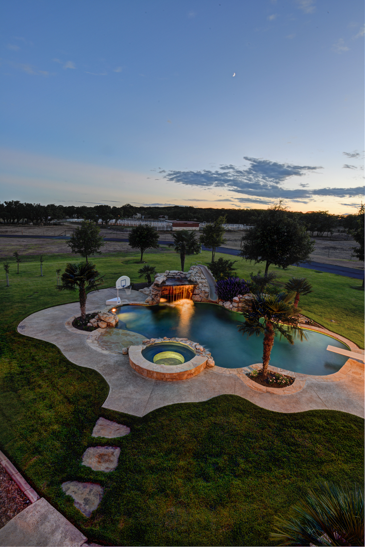 Additional photo for property listing at Stunning Hill Country Estate 140 FM 3351 Boerne, Texas 78006 Estados Unidos