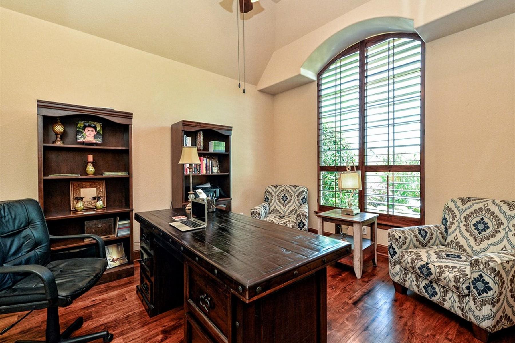 Additional photo for property listing at Lakewood Hills 12808 Arbor Lake Cv Austin, Texas 78732 Estados Unidos