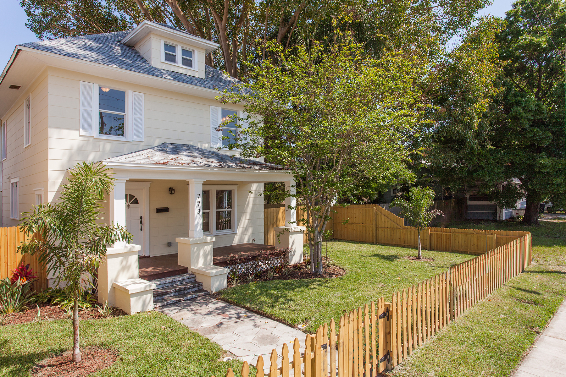 Single Family Home for Sale at ST. PETERSBURG 773 4th Ave N St. Petersburg, Florida 33701 United States