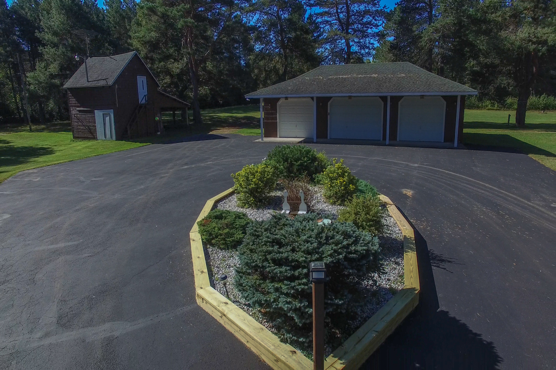 Additional photo for property listing at Mountain View Lake Family Compound 25  Morris Lane Bellmont, New York 12969 États-Unis