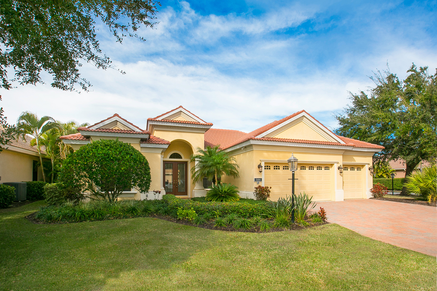 Single Family Home for Sale at LAKEWOOD RANCH COUNTRY CLUB 7434 Mizner Reserve Ct Lakewood Ranch, Florida, 34202 United States