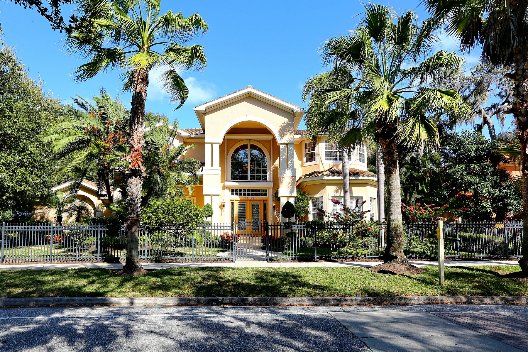 Single Family Home for Sale at MCCLELLAN PARK 2131 Mcclellan Pkwy McClellan Park, Sarasota, Florida 34239 United States