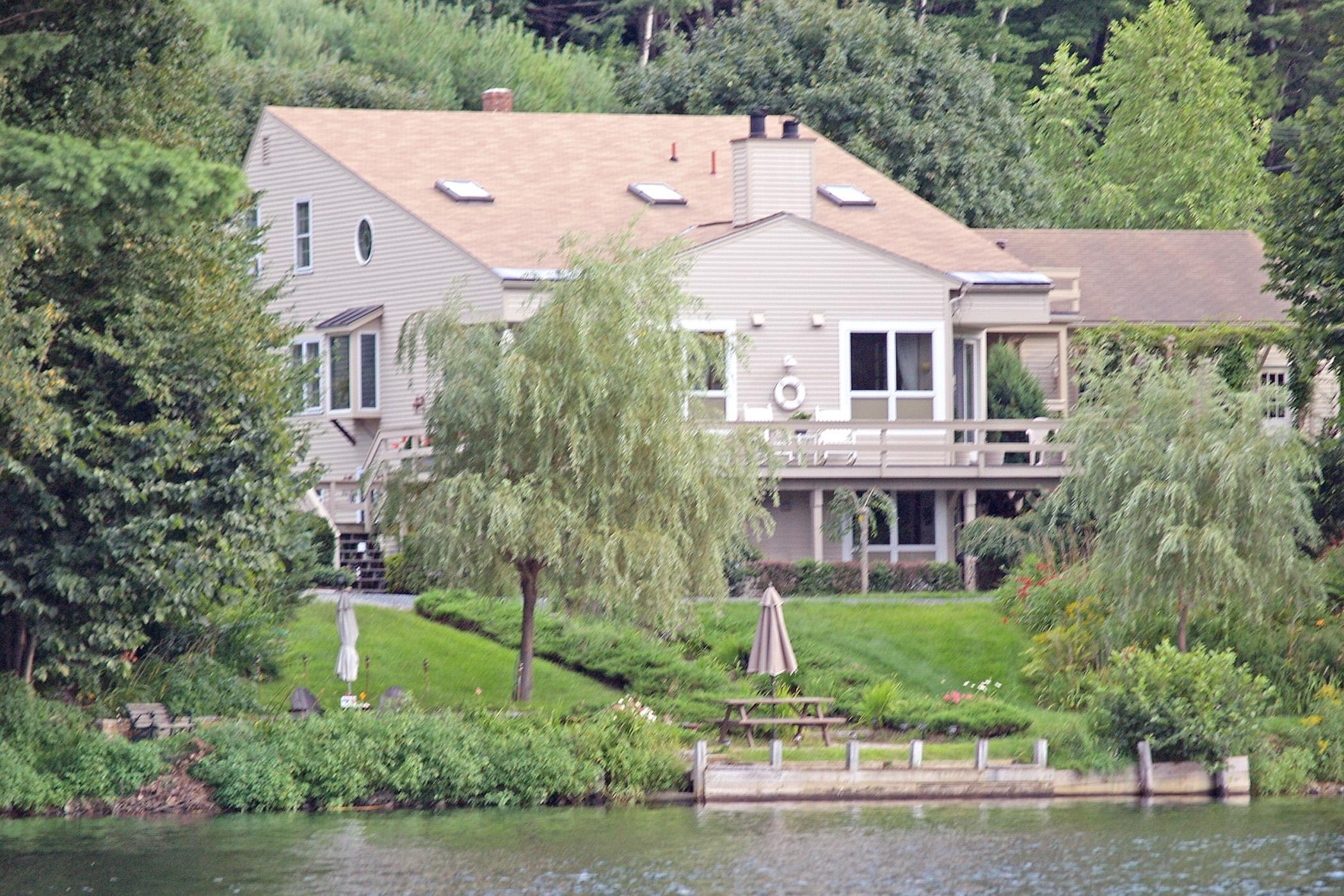 """Частный односемейный дом для того Продажа на """"Riverwatch"""" 126 Lyme Rd Hanover, Нью-Гэмпшир 03755 Соединенные Штаты"""