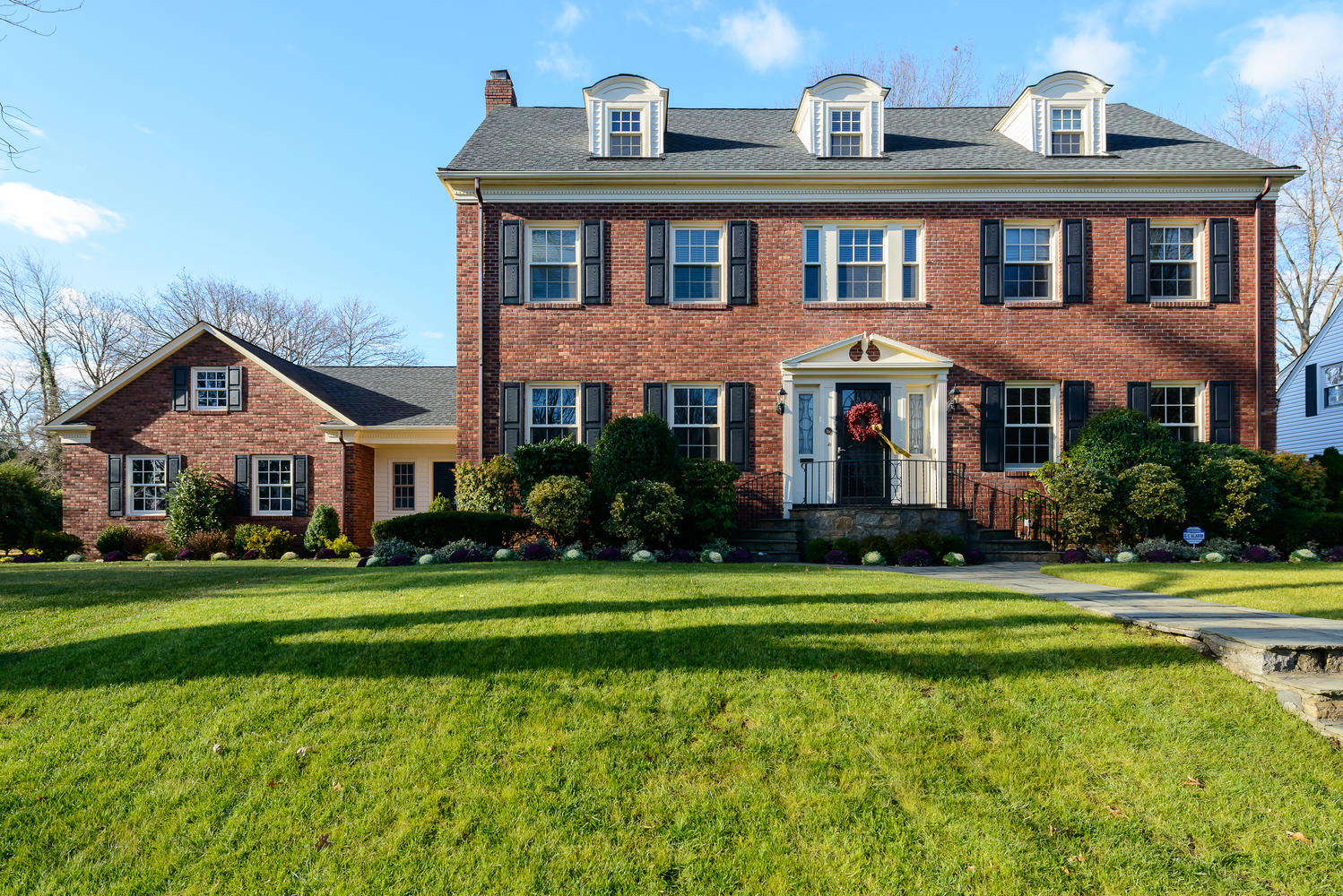 Single Family Home for Sale at Colonial 112 Arthur St Garden City, New York 11530 United States