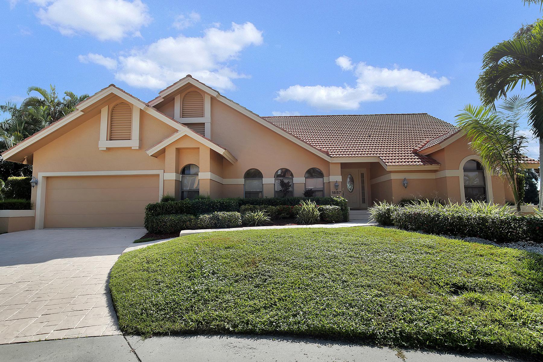 独户住宅 为 销售 在 MARCO ISLAND - CASCADE COURT 1887 Cascade Ct Marco Island, 佛罗里达州 34145 美国