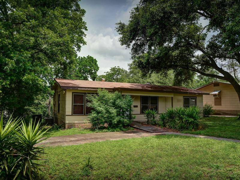 獨棟家庭住宅 為 出售 在 Great Remodeled Home in Pecan Valley 203 E Palfrey St San Antonio, 德克薩斯州 78223 美國