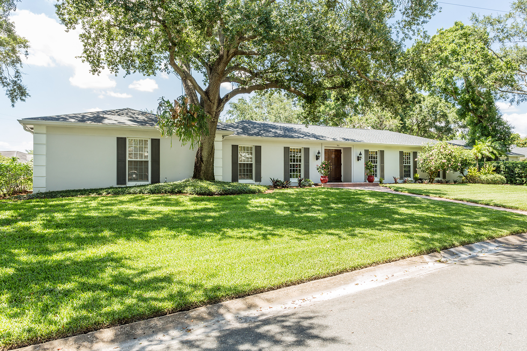 Single Family Home for Sale at SNELL ISLE 901 31st Ave NE Snell Isle, St. Petersburg, Florida, 33704 United States