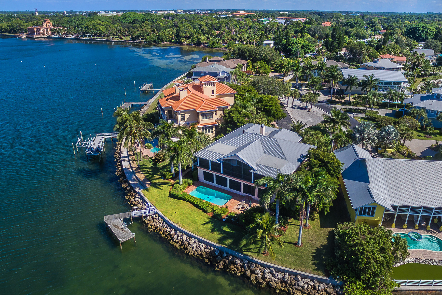 Single Family Home for Sale at SAPPHIRE SHORES 305 Ringling Point Dr Sarasota, Florida, 34234 United States