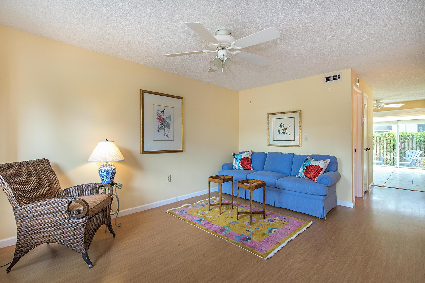 Maison de ville pour l Vente à OLDE NAPLES - ALCOSA 296 4th Ave S 296 Naples, Florida 34102 États-Unis
