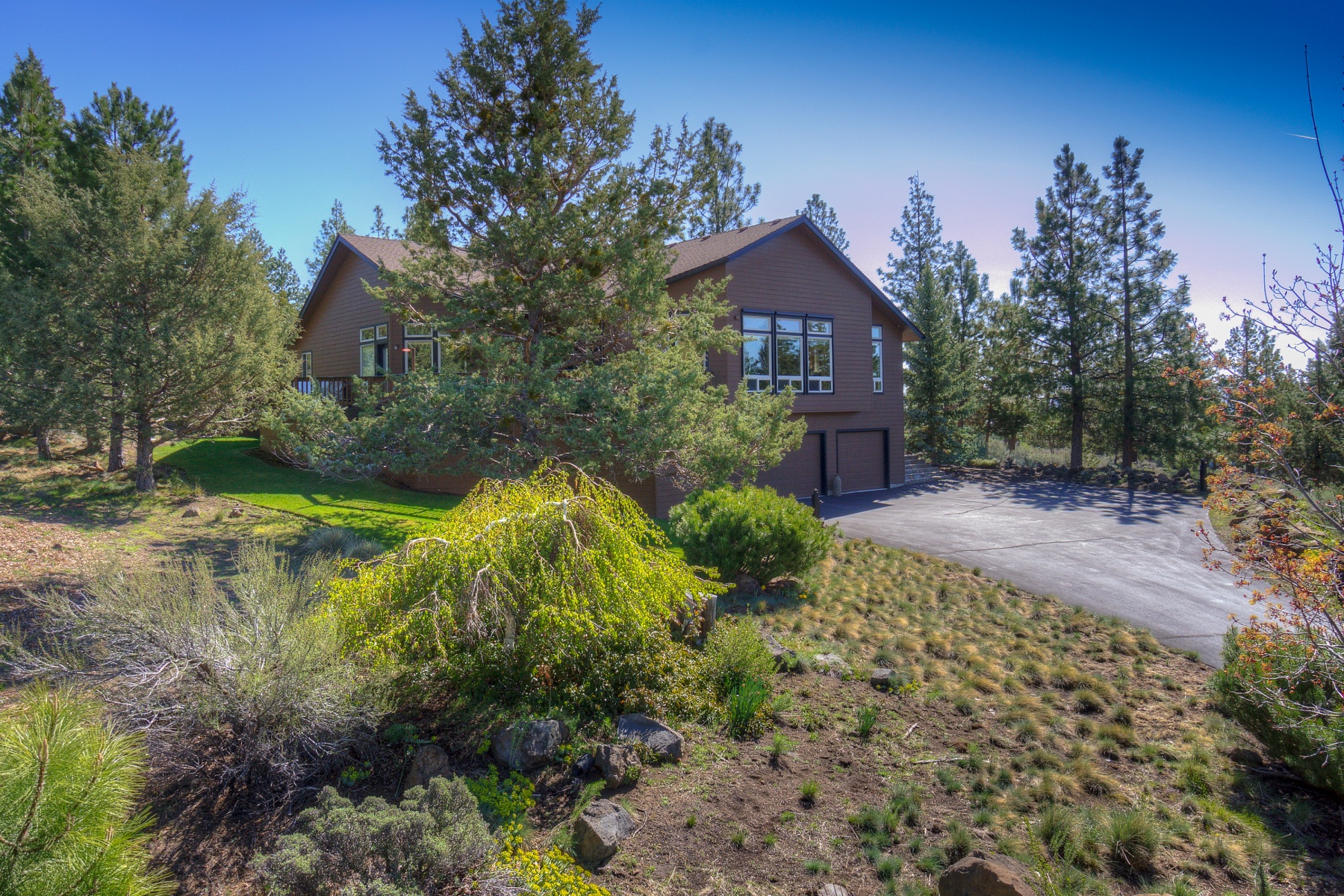 sales property at Private Setting in Awbrey Butte
