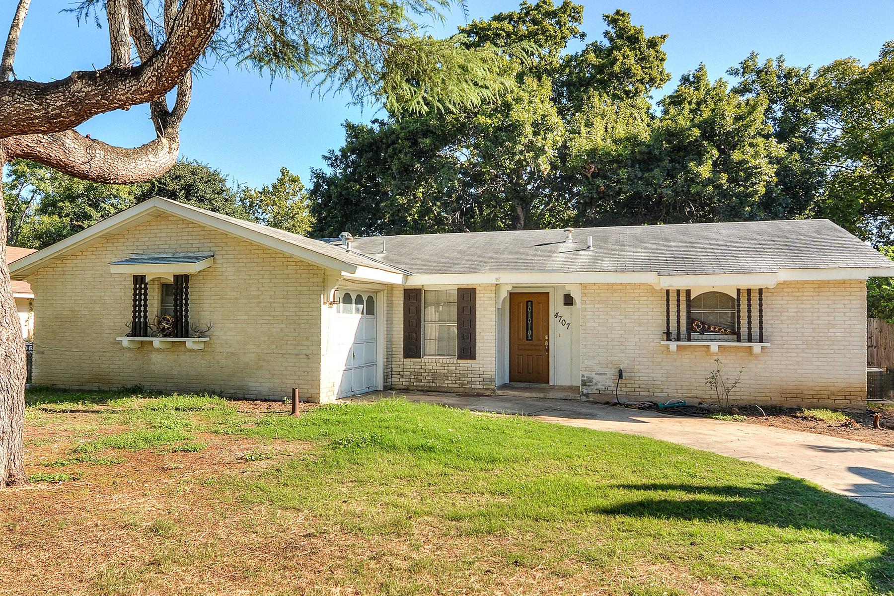 Casa Unifamiliar por un Venta en Investment Opportunity in Sierra North 4707 Casa Manana St San Antonio, Texas 78233 Estados Unidos
