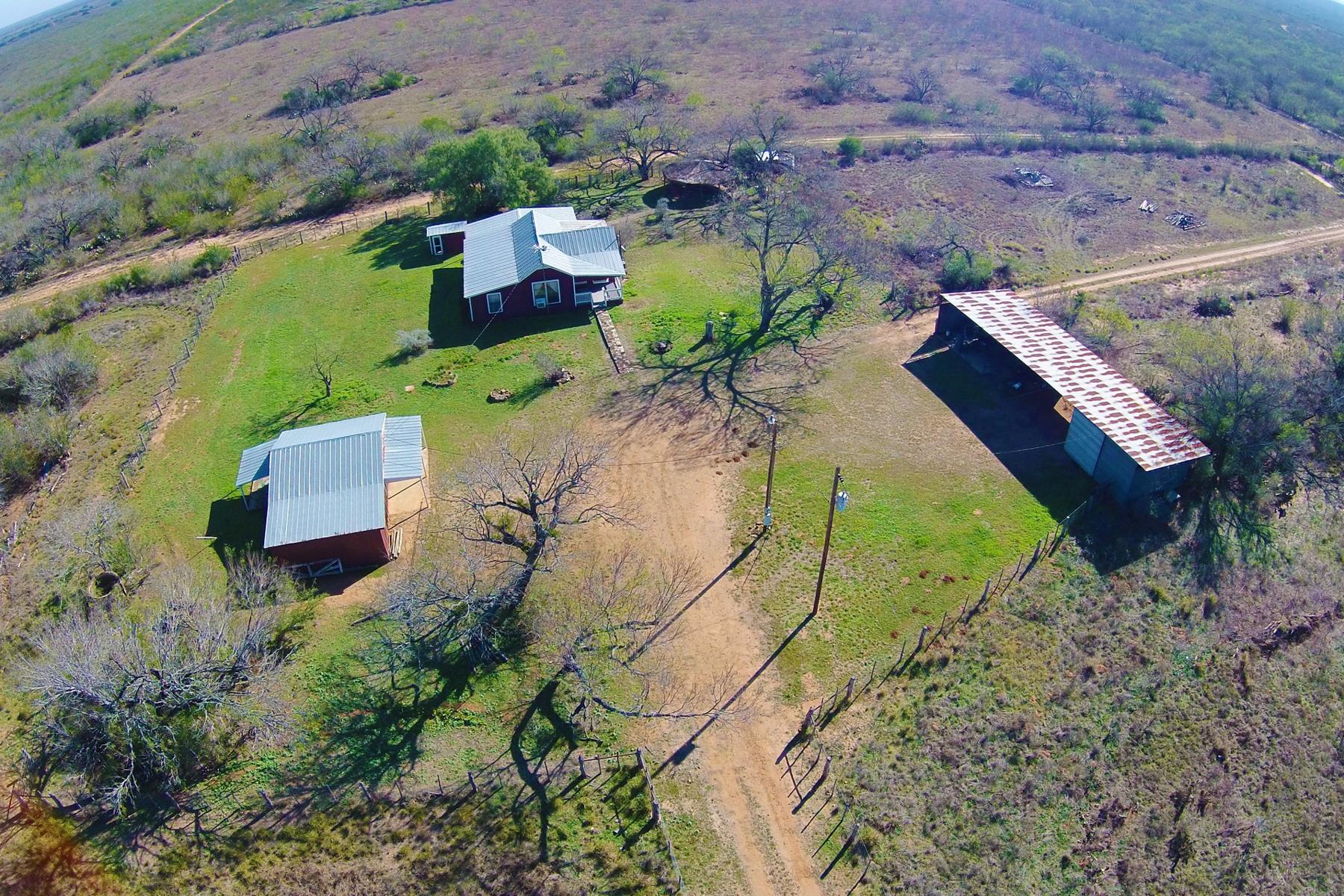 Additional photo for property listing at 702± Ac. Buckhorn Creek Ranch CR 3315  702 +- Acres Pearsall, Texas 78061 Estados Unidos