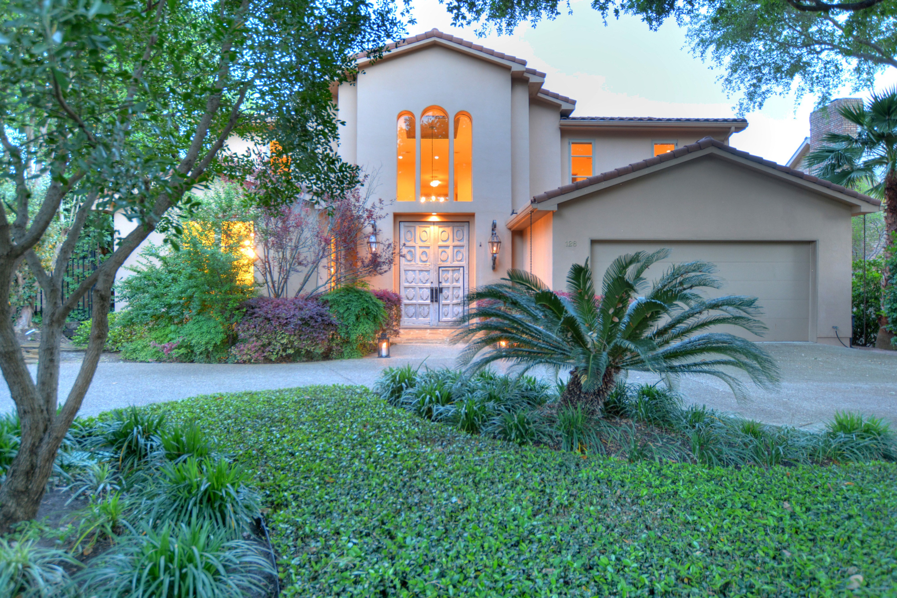 Single Family Home for Sale at Exceptional Estate in Terrell Hills 128 Auburn Pl San Antonio, Texas, 78209 United States