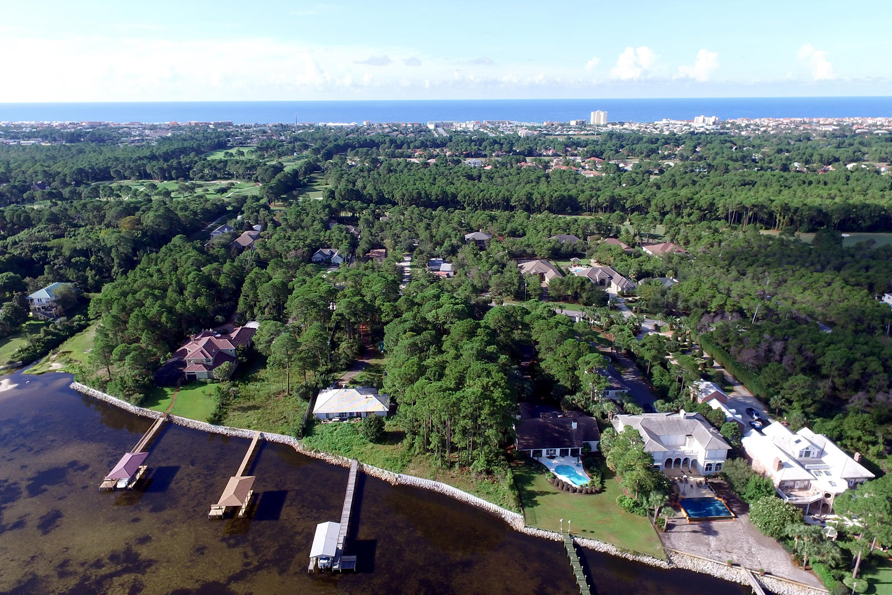 Земля для того Продажа на OVER AN ACRE OF PREMIUM WATERFRONT LAND Lot 5A Walton Way Miramar Beach, Флорида, 32550 Соединенные Штаты