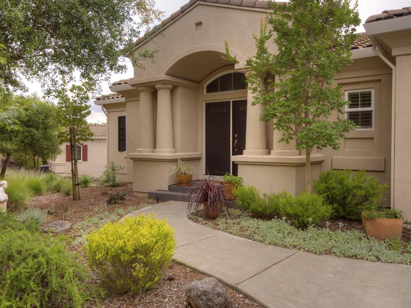 Maison unifamiliale pour l Vente à 125 Stone Mountain Cir, Napa, CA 94558 125 Stone Mountain Cir Napa, Californie 94558 États-Unis