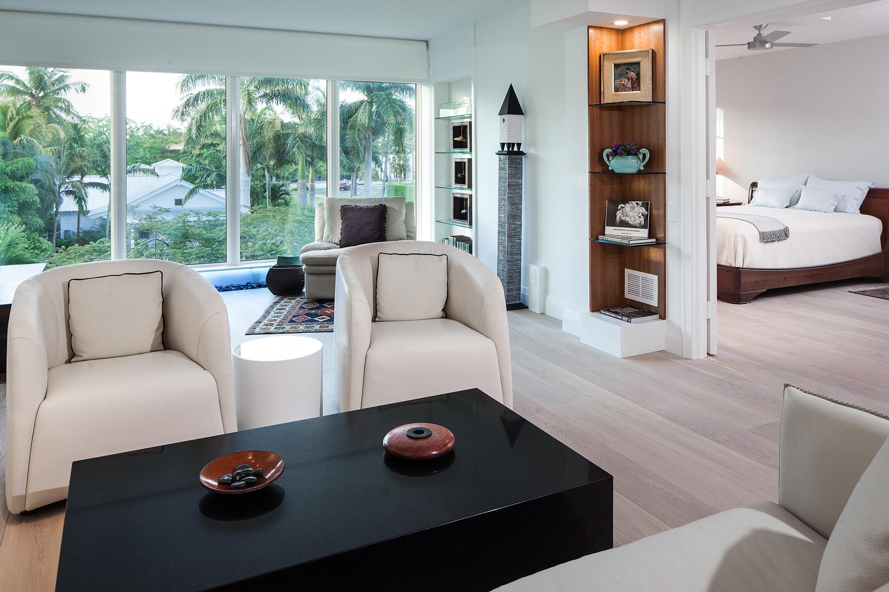 Кооперативная квартира для того Продажа на OLDE NAPLES - WARWICK 280 2nd Ave S 301 Naples, Флорида, 34102 Соединенные Штаты