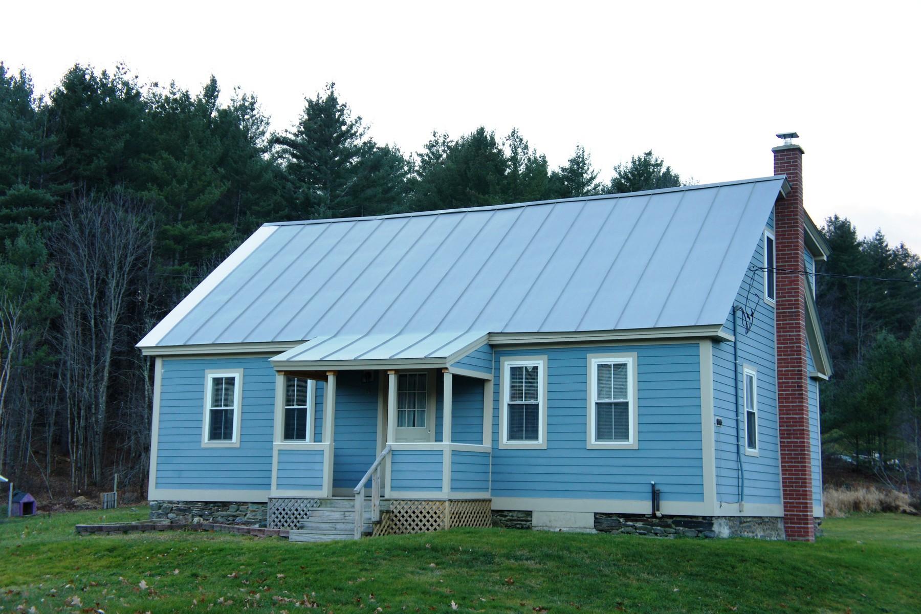 Maison unifamiliale pour l Vente à 5A Worcester Village Rd, Worcester Worcester, Vermont 05682 États-Unis
