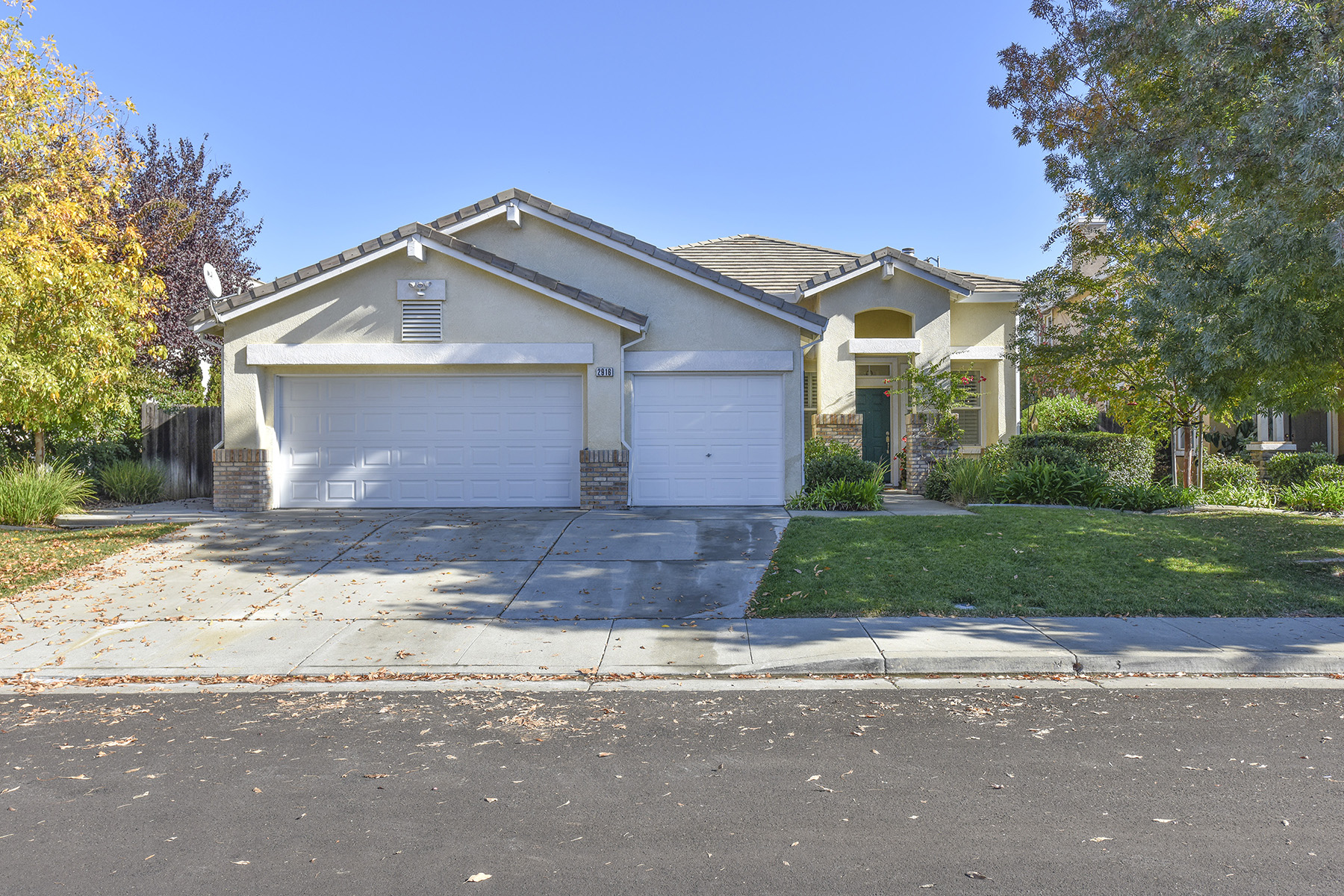 sales property at 2916 Lakefront Ct, Fairfield, CA 94533
