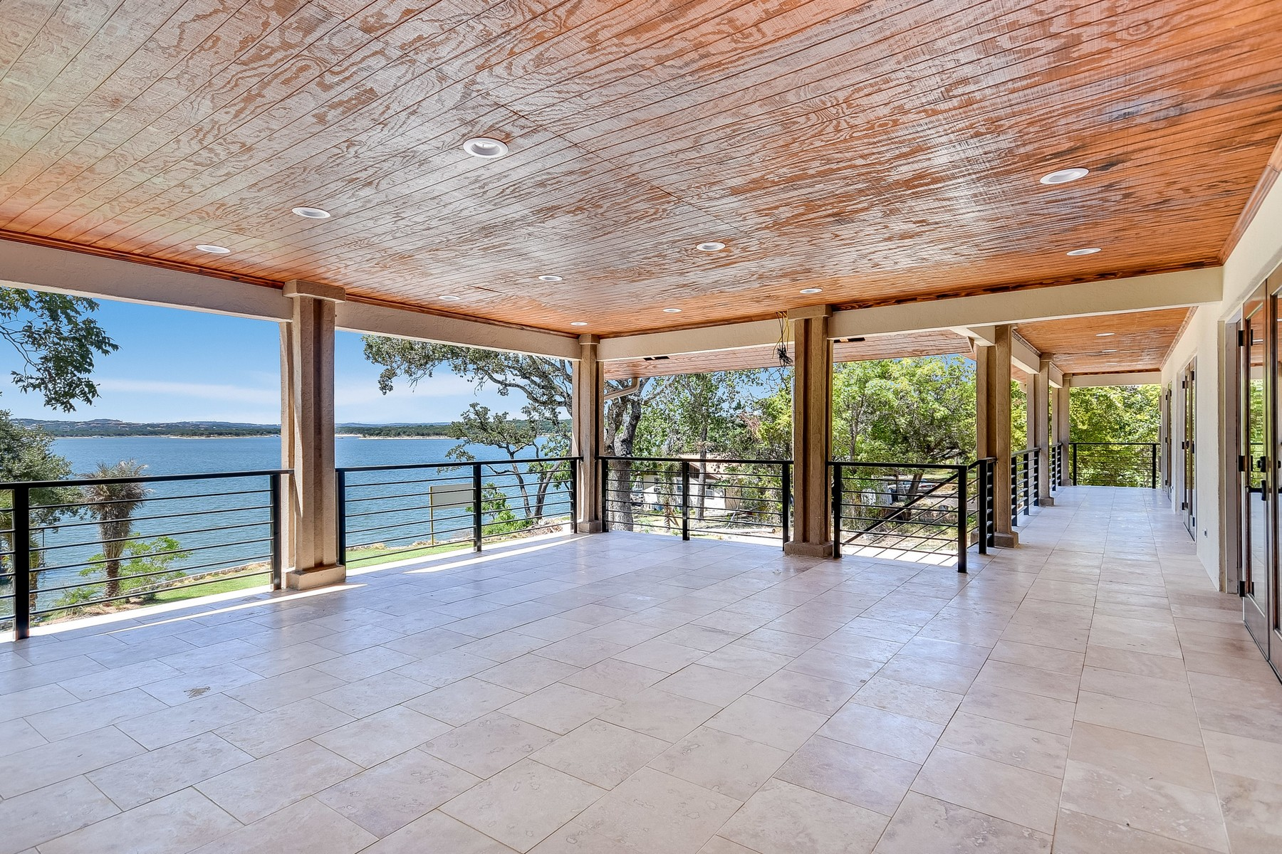 Moradia para Venda às Stunning Home with a Fabulous Lake View 16907 S Ridge Ln Austin, Texas, 78734 Estados Unidos