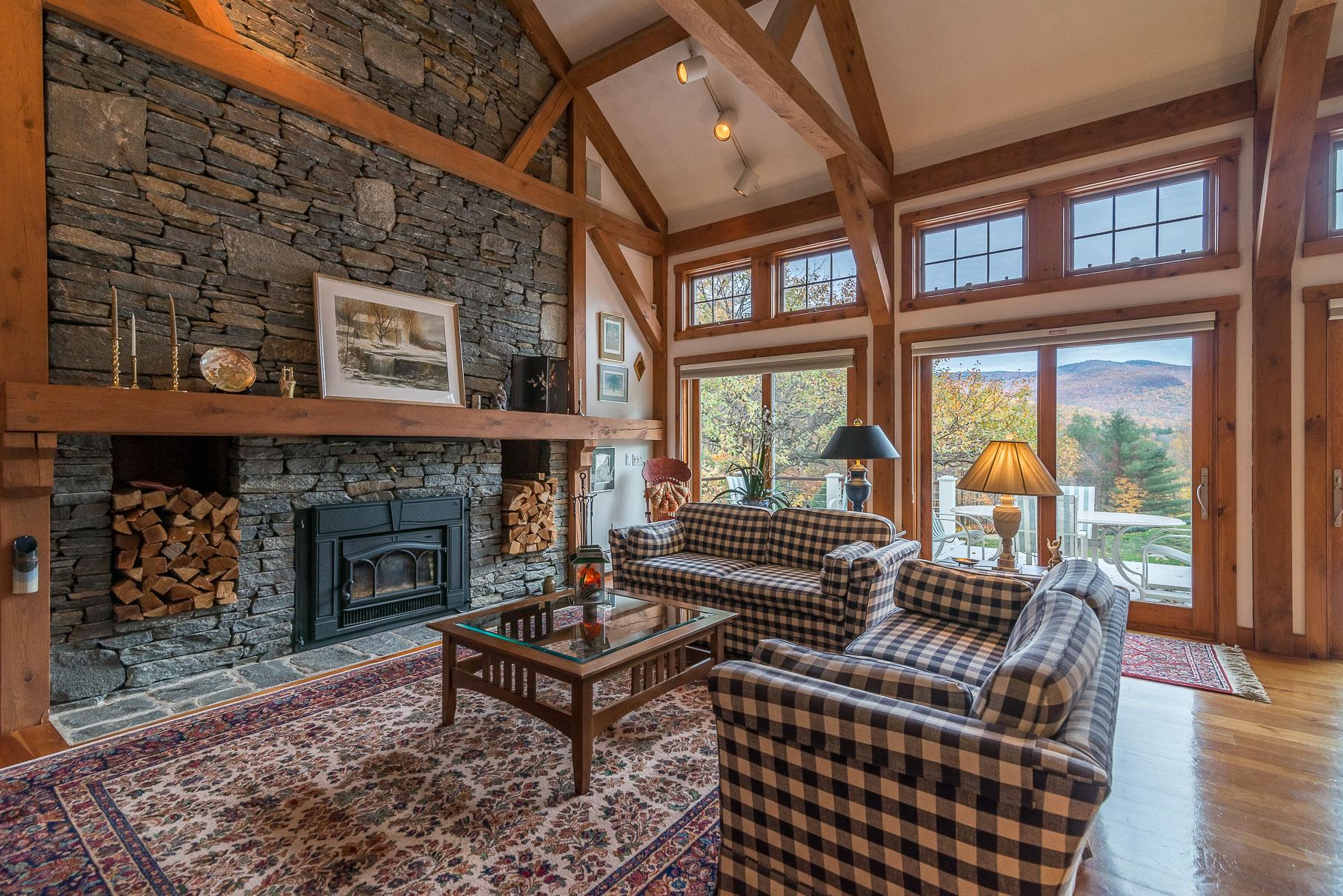 Maison unifamiliale pour l Vente à Exquisite Custom Home with Views 321 Rogers Rd Rupert, Vermont 05251 États-Unis