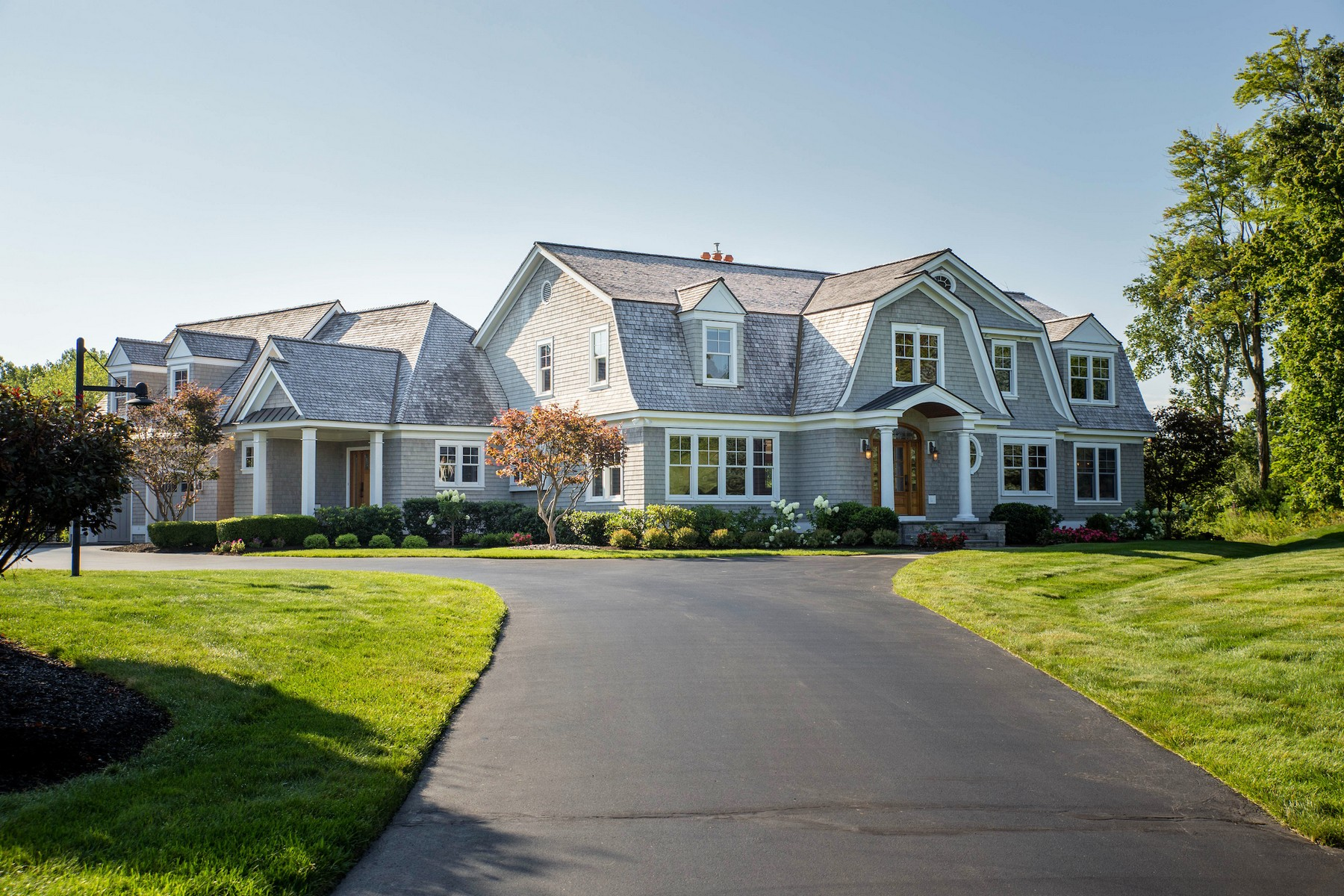 Additional photo for property listing at Magnificent Custom Arts and Crafts Home 341  Vly Rd Niskayuna, New York 12309 United States