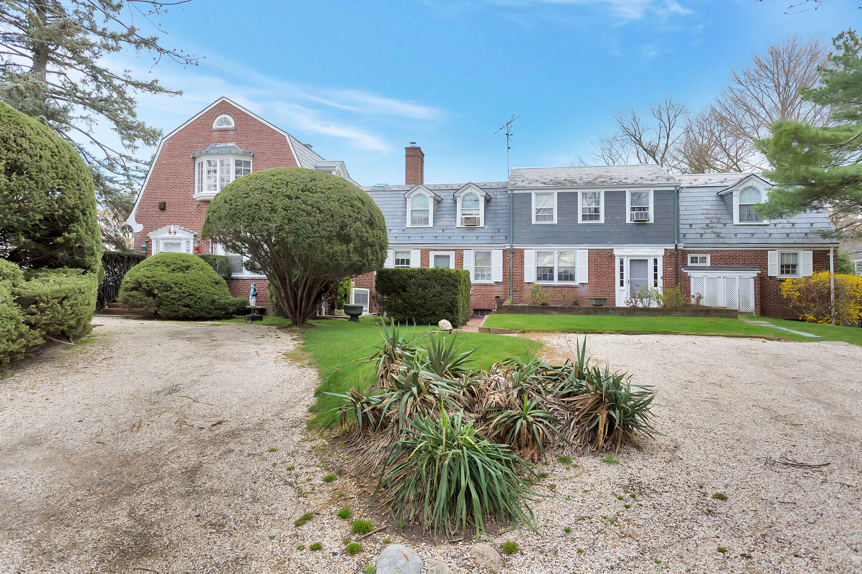 Single Family Home for Sale at Colonial 2 Steamboatlanding Rd Oyster Bay Cove, New York, 11771 United States