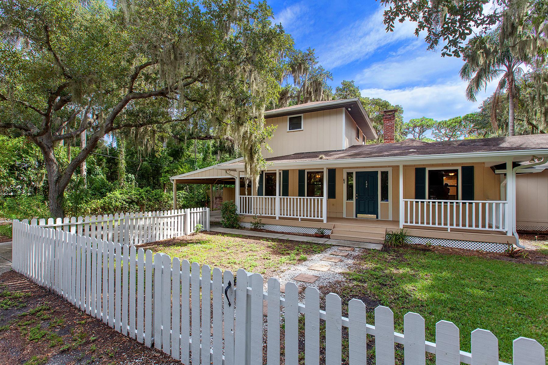 Single Family Home for Sale at NW BRADENTON 402 31st St NW Bradenton, Florida 34205 United States
