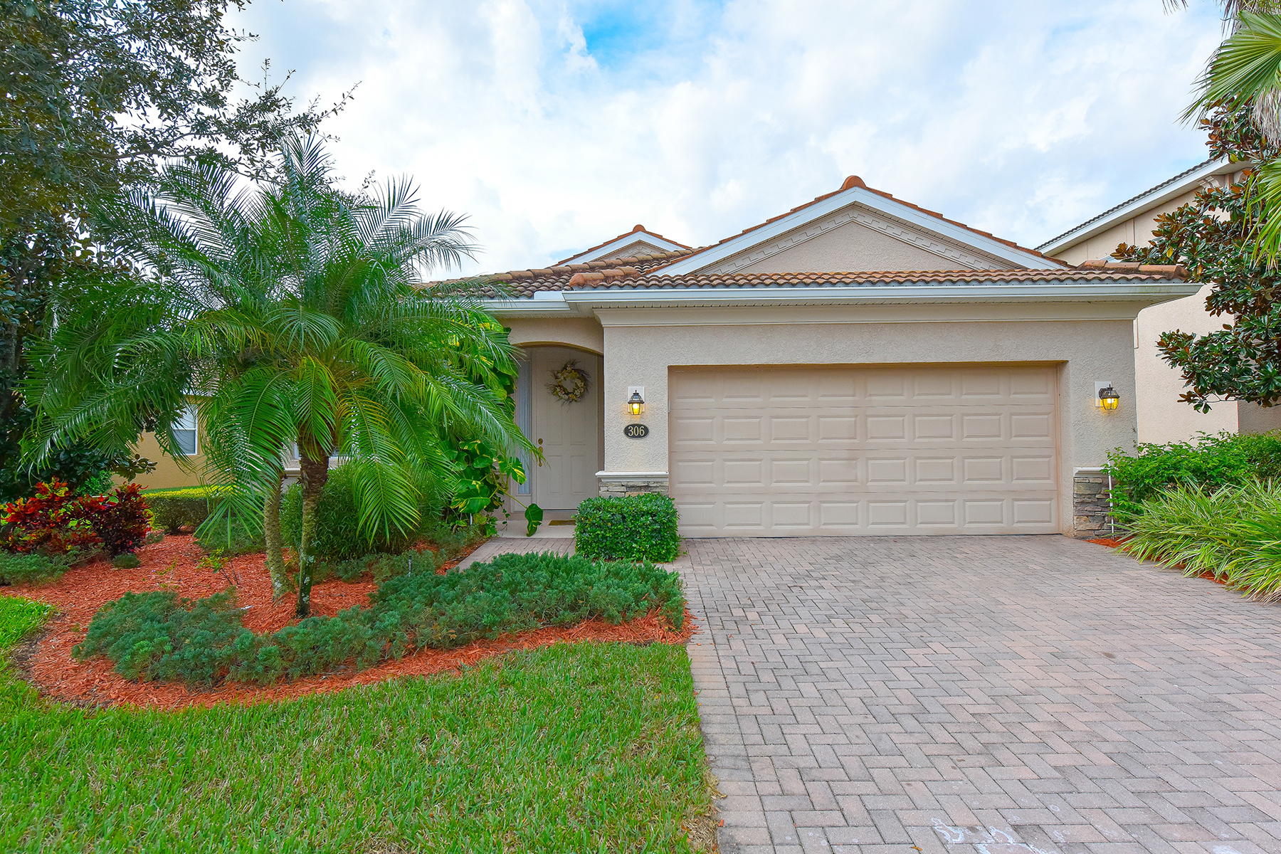 Single Family Home for Sale at RIVER STRAND 306 River Enclave Ct Bradenton, Florida, 34212 United States