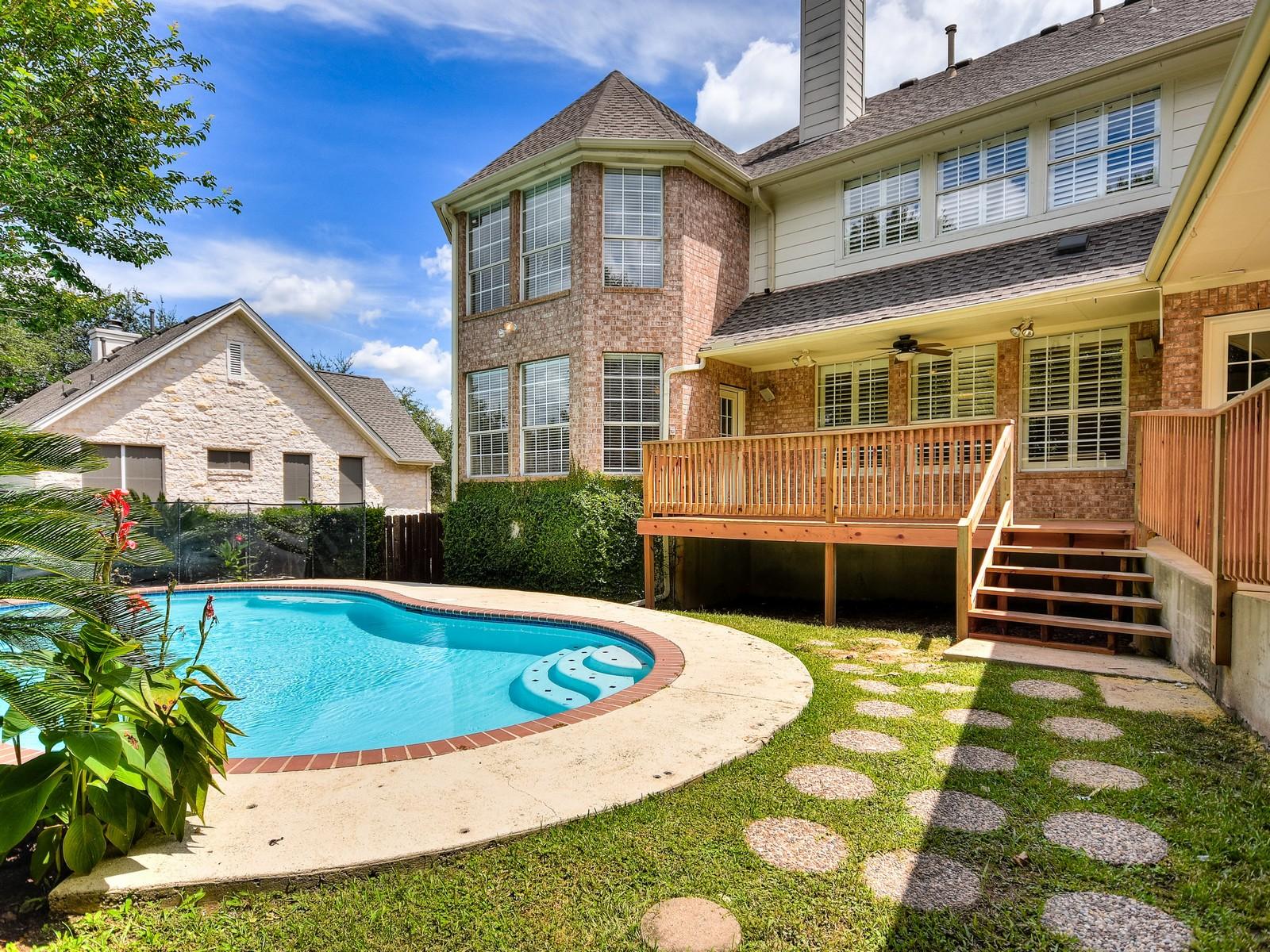 Additional photo for property listing at Wonderful and Stylish Home 1608 Churchwood Cv Austin, Texas 78746 Estados Unidos