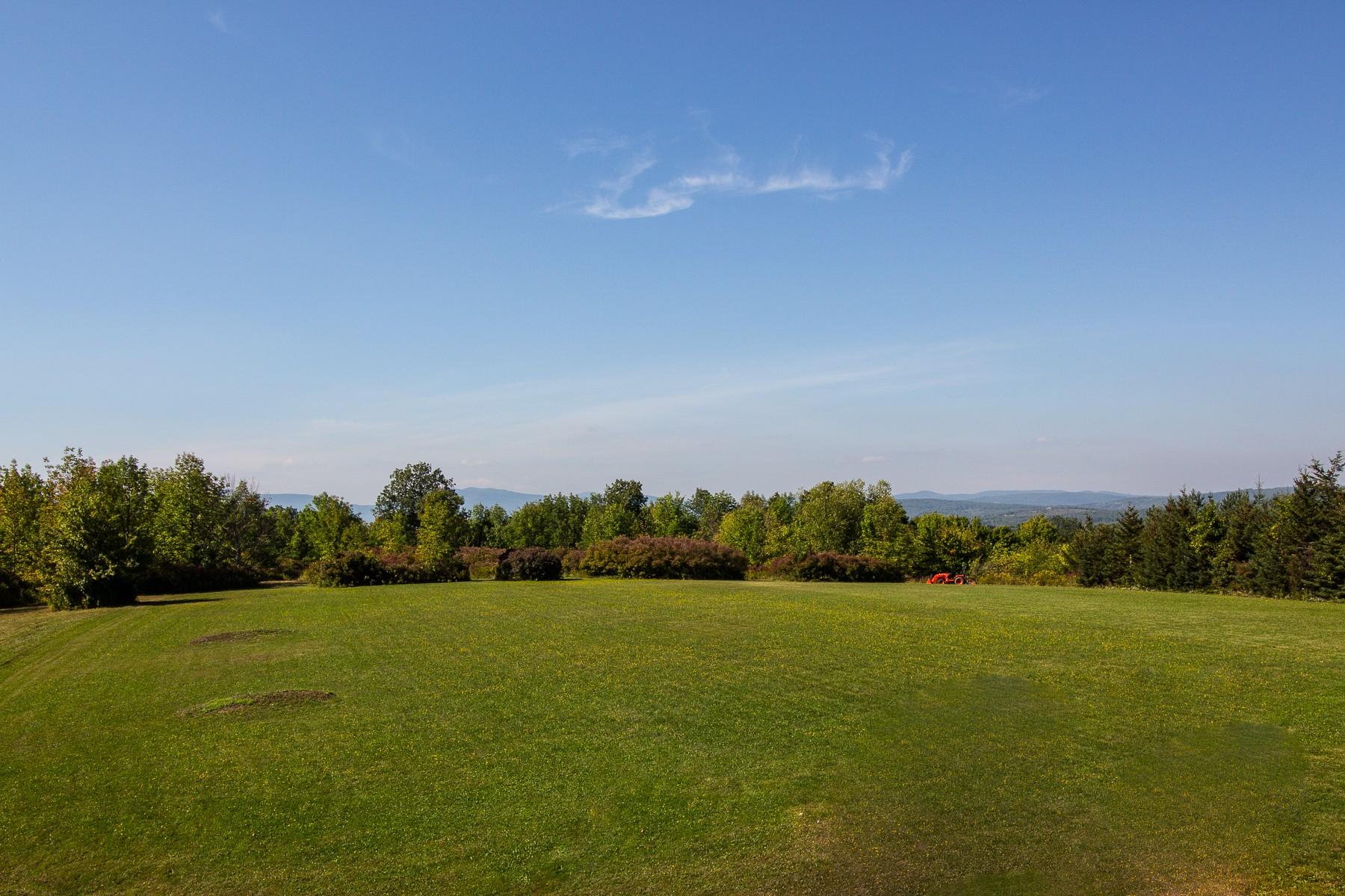 其它住宅 为 销售 在 Westerlo Acreage with Stunning Views 737 Cr 402 韦斯特洛, 纽约州 12193 美国