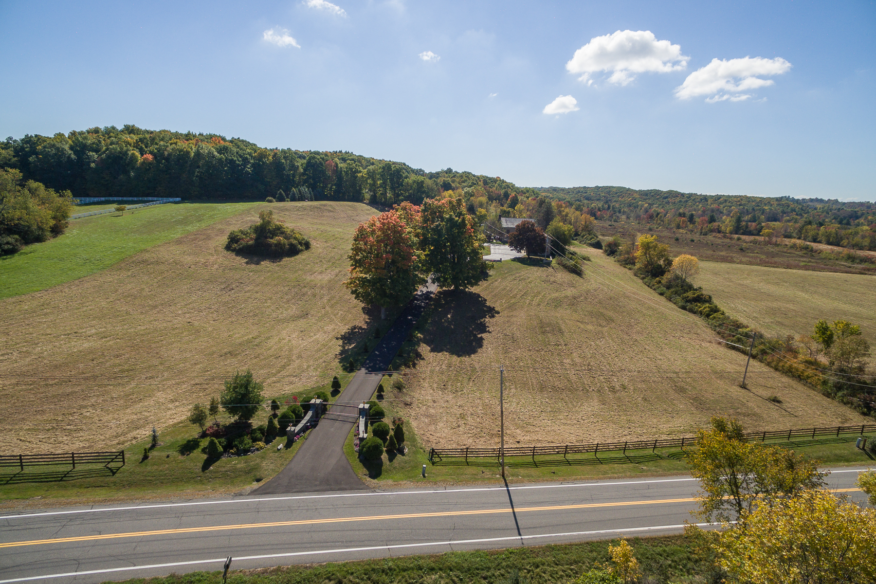 Additional photo for property listing at Custom Home on 67 Acres in Stillwater 411  Cedar Bluff Rd Stillwater, New York 12170 United States