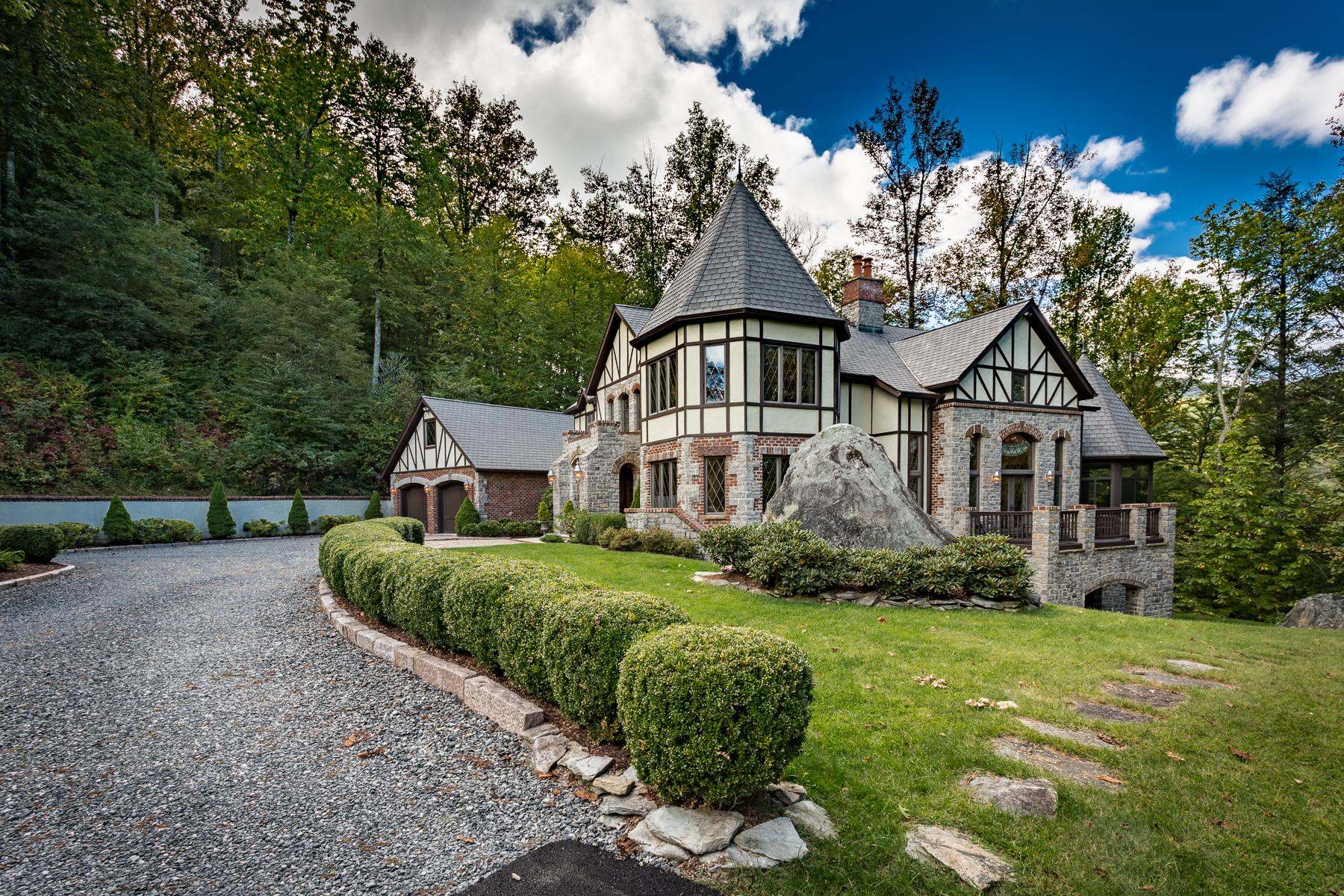 단독 가정 주택 용 매매 에 ENGLISH TUDOR ESTATE 838 Church Road Rd Boone, 노스캐놀라이나, 28607 미국