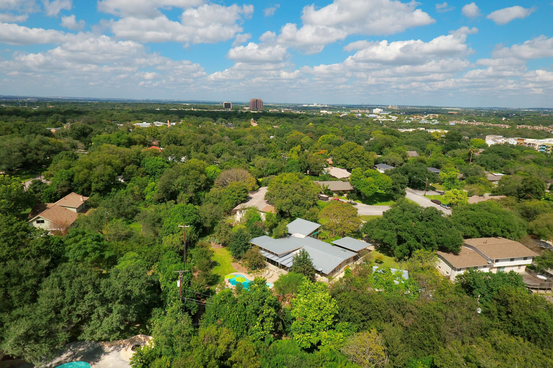 Additional photo for property listing at Great Mid-Century Modern Home in Northwood 7519 Quail Run Dr San Antonio, Texas 78209 Estados Unidos