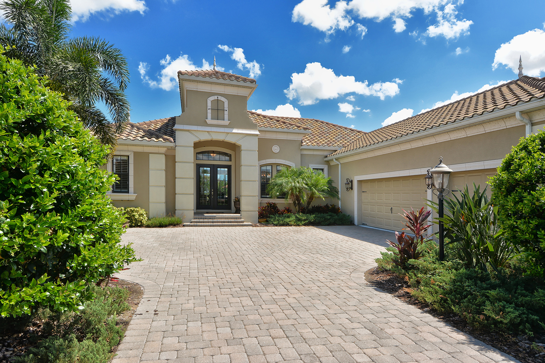 Property For Sale at LAKEWOOD RANCH COUNTRY CLUB EAST