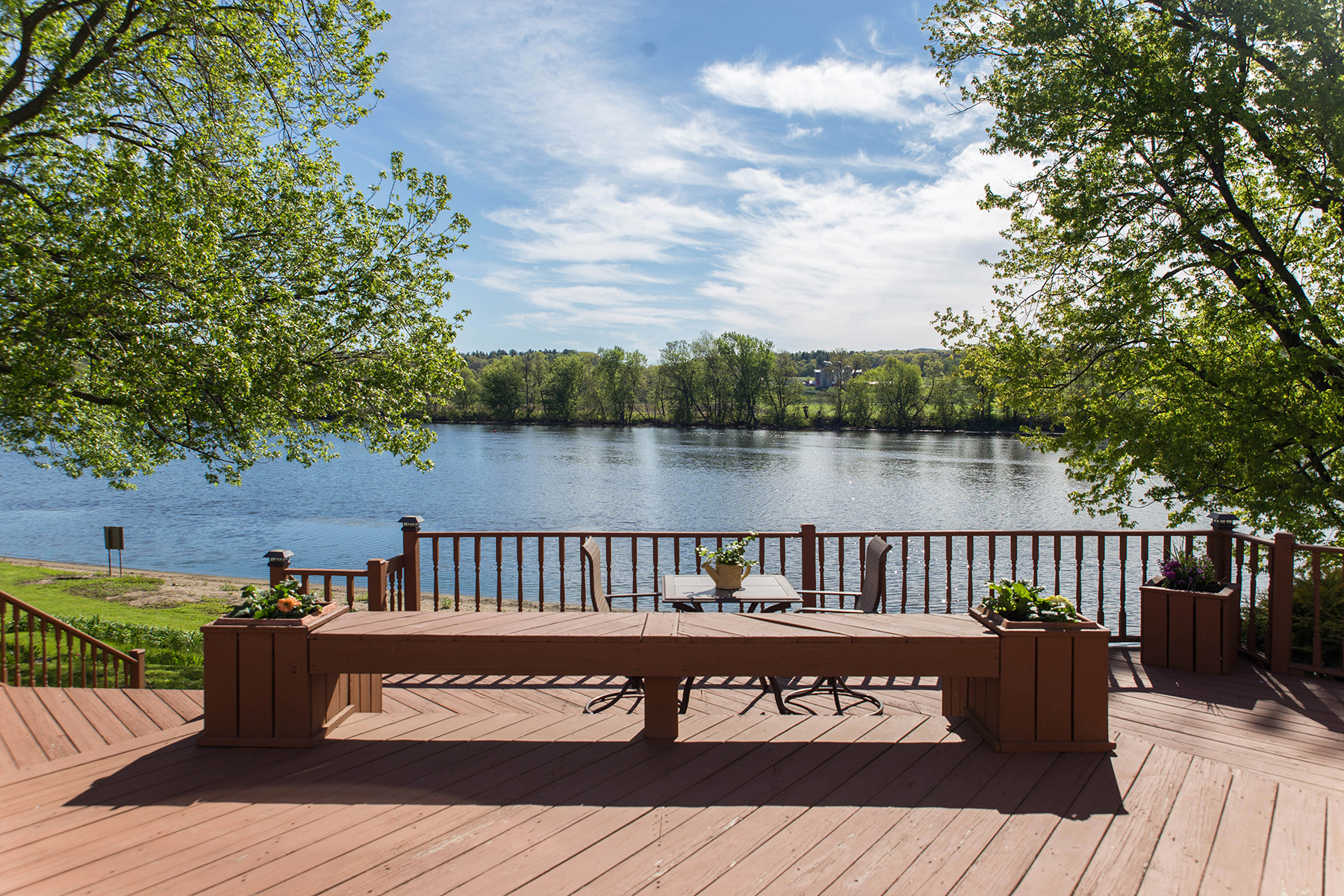 Additional photo for property listing at Waterfront Compound On The Hudson River 110  Garnsey Ln Schuylerville, Nueva York 12871 Estados Unidos
