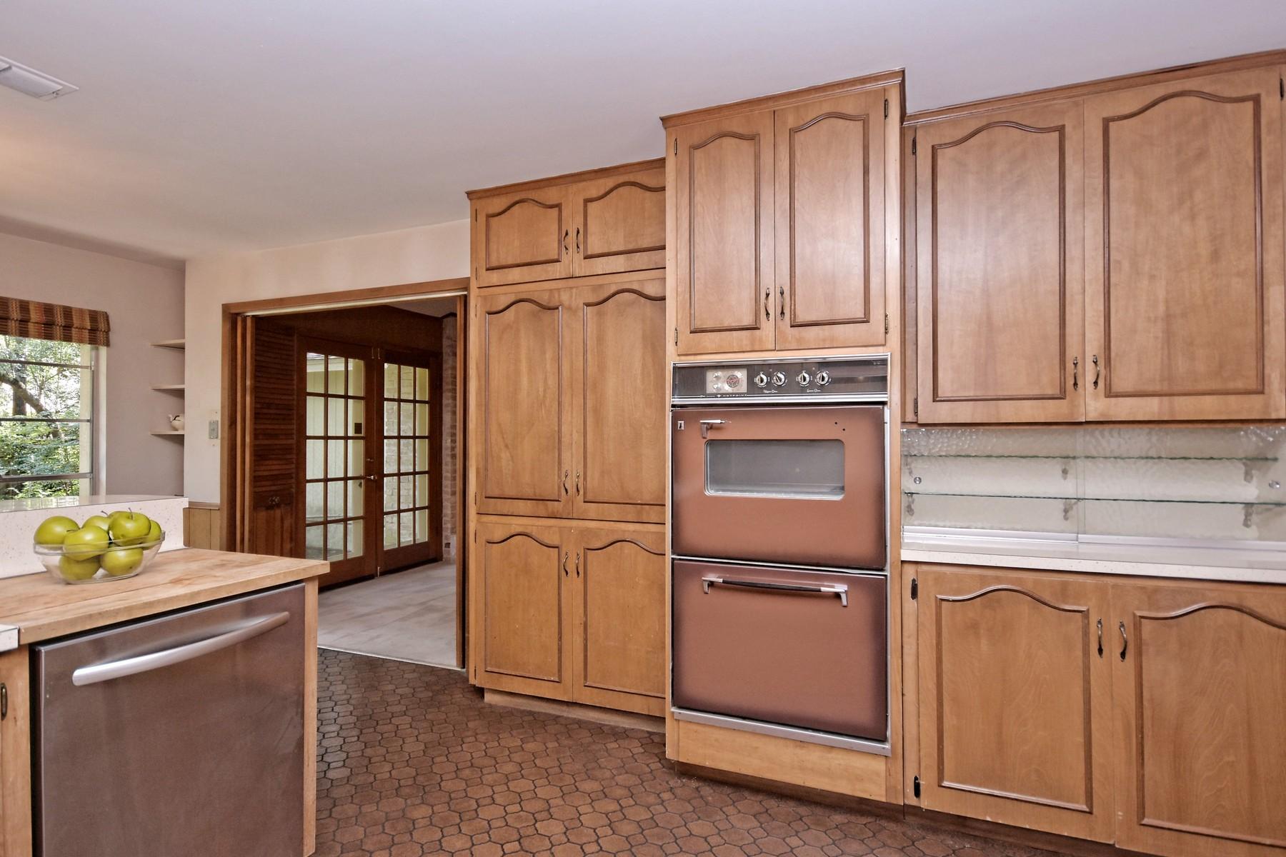 Additional photo for property listing at North West Hills Original 7313 Mesa Dr Austin, Texas 78731 Estados Unidos