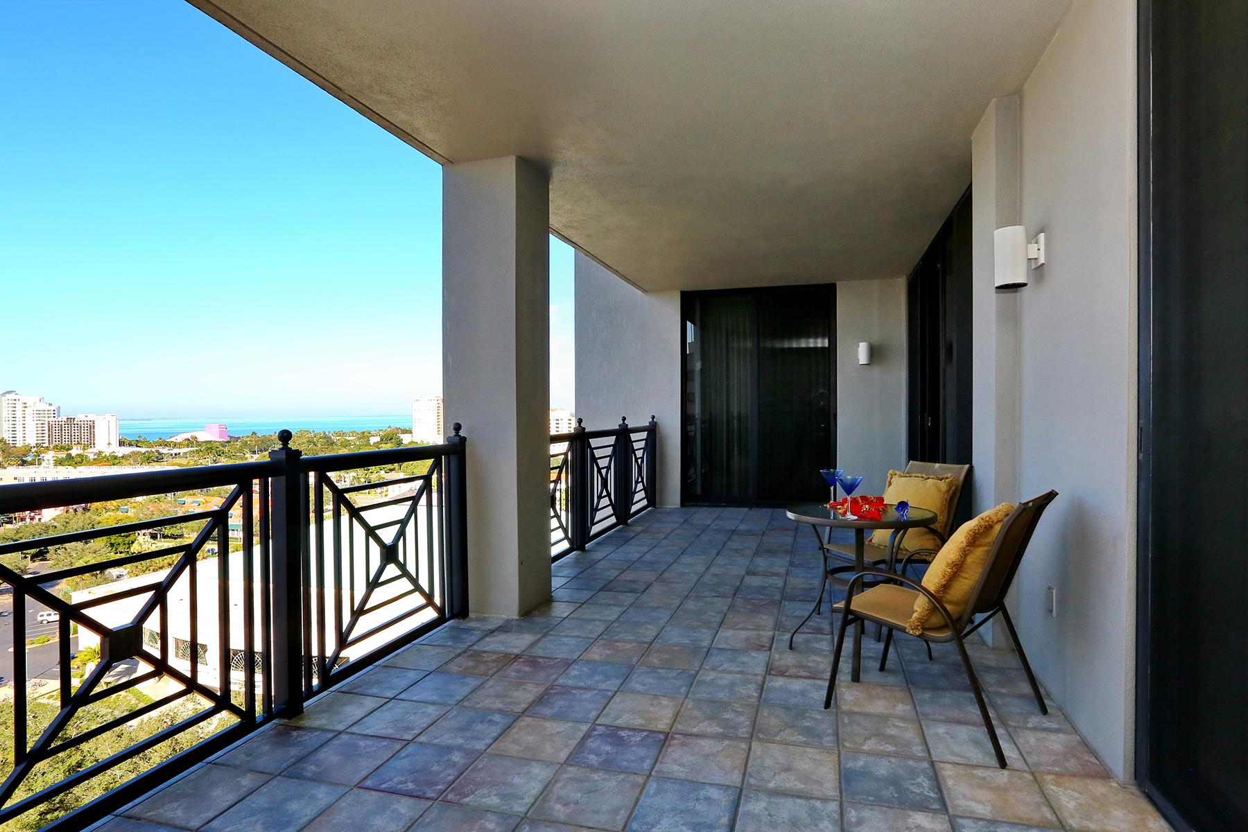 Condomínio para Venda às PLAZA AT FIVE POINTS 50 Central Ave 10D Sarasota, Florida 34236 Estados Unidos