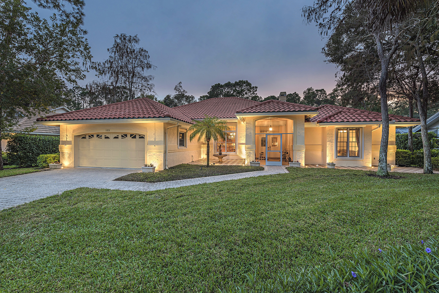 Single Family Home for Sale at WYNDEMERE - LODGINGS 153 Edgemere Way S Naples, Florida, 34105 United States