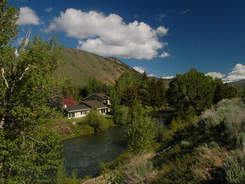 Additional photo for property listing at Twenty Feet to the River 141 Audubon Place Ketchum, Idaho 83340 Estados Unidos