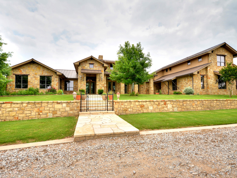 Single Family Home for Sale at Gorgeous Ranchette in Horseshoe Bay 947 RR 2831 Horseshoe Bay, Texas 78657 United States